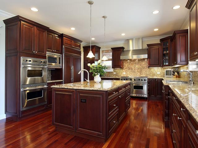 10 Pomysłów Na Aranżacje Kuchni Drewniane Meble Kuchenne