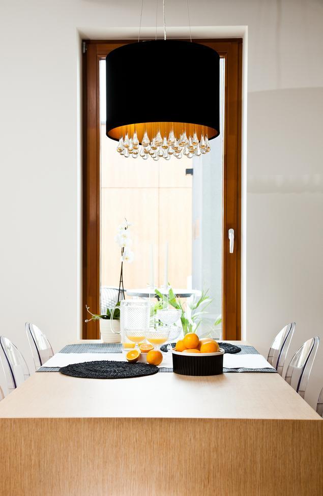 Zobacz galerię zdjęć Nowoczesna kuchnia  drewniana kuchnia i fronty lakierow