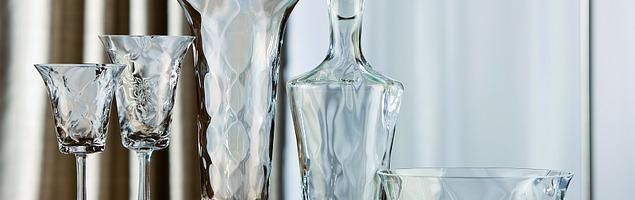 Szklane akcenty we wnętrzach. Jak wyrazić styl pomieszczenia?